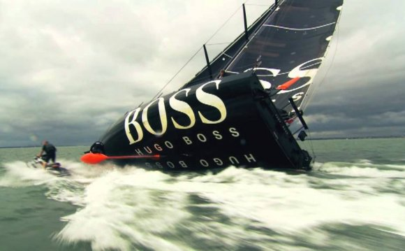Alex Thomson attempts the Keel