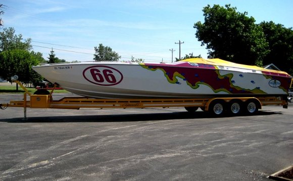 Cigarette race boats