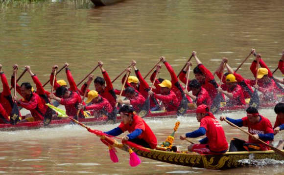 Is a Boat Racing Festival