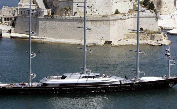 Melnichenko s new yacht