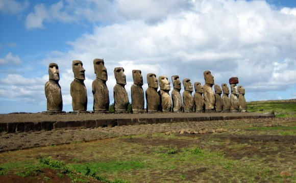 Sailing to Easter Island - The
