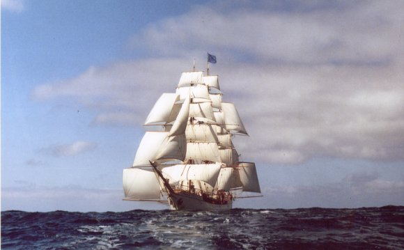 Tall Ship Sailing & Sailing on
