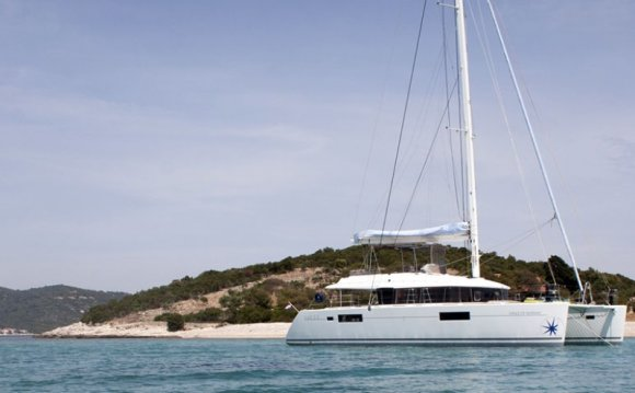 Welcome aboard our Lagoon 560
