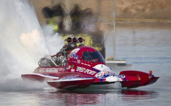 Boat Drag Racing